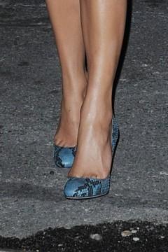 Jennifer Lopez arrives at her Chelsea apartment