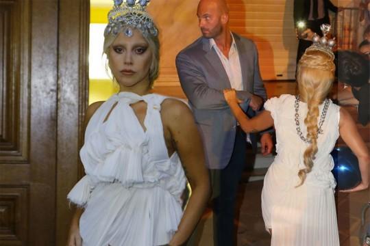 Gaga-MAIN