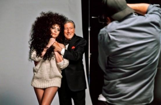 Από τη φωτογράφιση της Lady Gaga με τον Tony Bennett για την H&M Holiday Collection