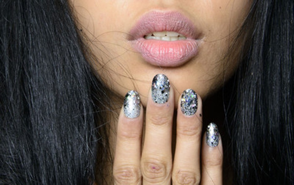 2014-Fall-Winter-2015-Nail-Polish-Trends-6