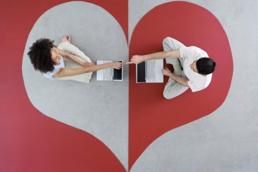 flirting-social-media