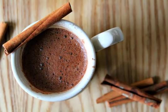 hot-choco-cinnamon