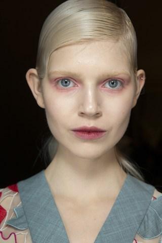 jonathan-saunders-fall-14-makeup
