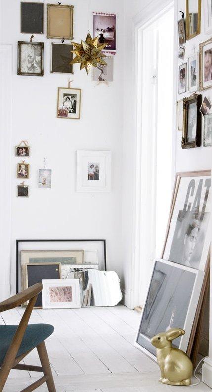 lean art on the floor-display-art-solution