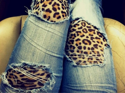 leopard-tights-ripped-jeans
