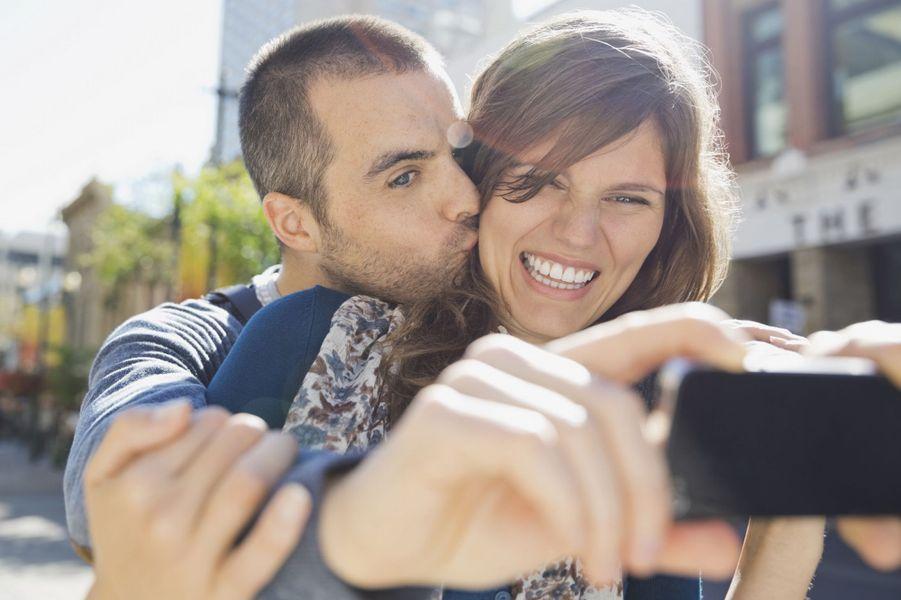 selfie-couple