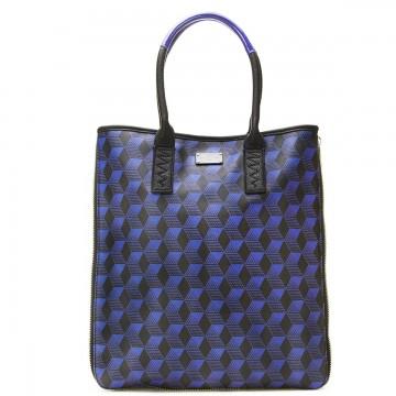 Stevie Art σε navy blue – tote τσάντα Paul's Boutique (85€-pauls-boutique.gr)