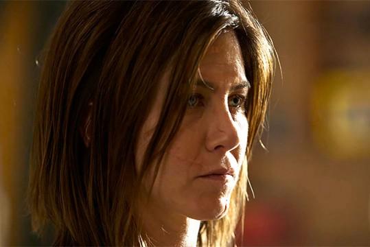 H Jennifer Aniston ως γυναίκα με χρόνιο πόνο που αναζητά παράνομα φάρμακα στην ταινία Cake
