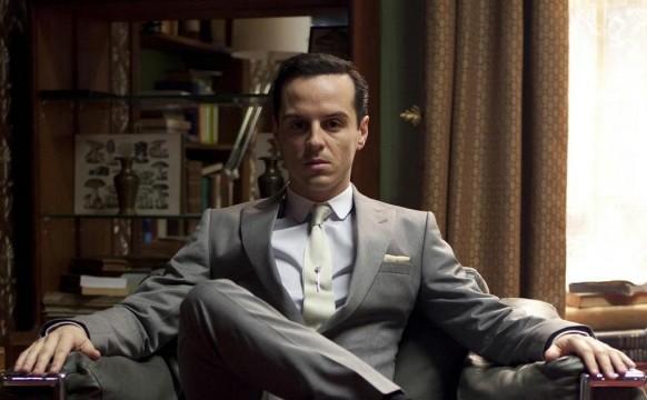 O Andrew Scott ως Moriarty στην τηλεοπτική σειρά Sherlock