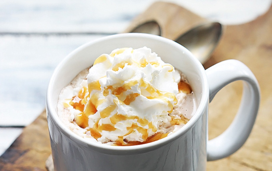 salted-caramel-hot-chocolate-1
