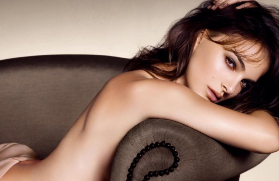 Rouge-Dior-Nude-Gr-ge-natalie-portman-31684557-2048-1326