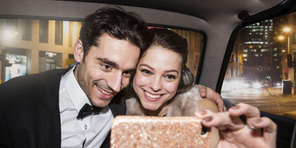 first-date-selfie