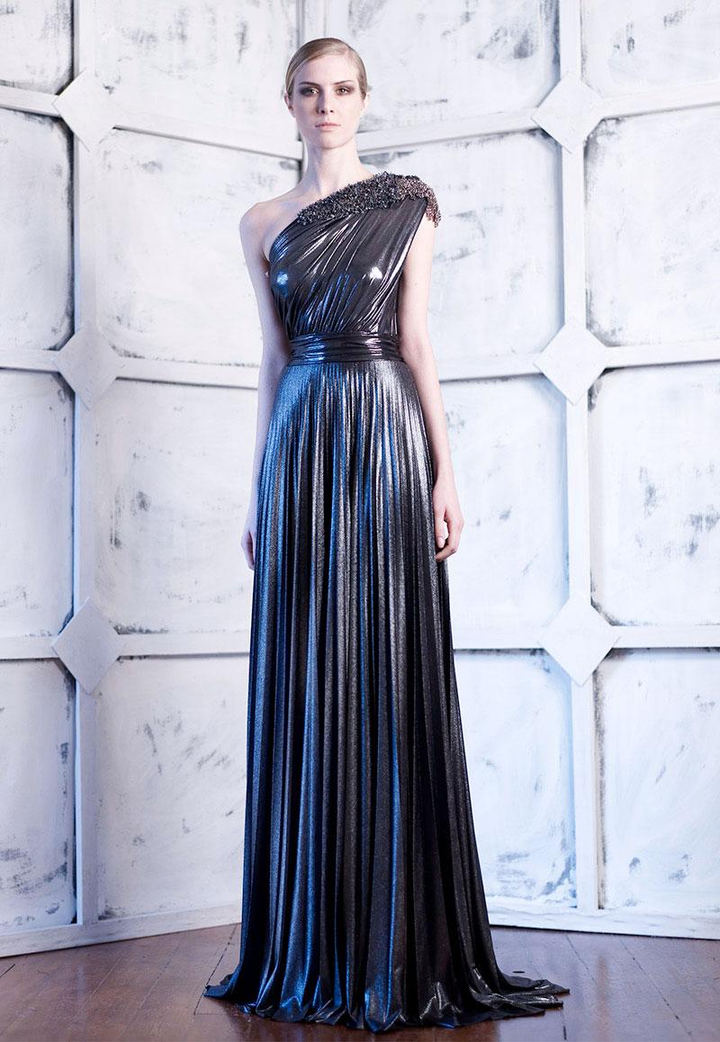 99dab67abb7 Εννιά φορέματα του σχεδιαστή Veloudakis που δεν θα έφευγαν ποτέ από ...