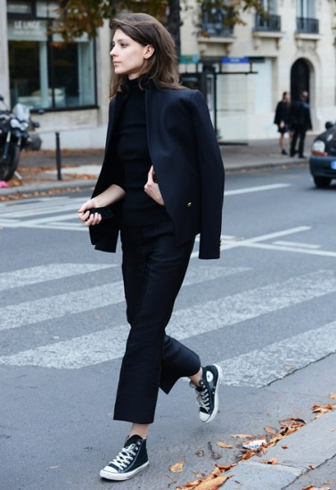 navy-blue-and-black-streetstyle-6
