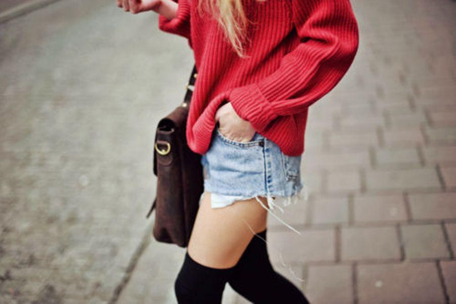 knee-high-socks-cover