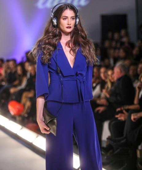 e02d1f3aa65d Kathy Heyndels  caption  31 Έλληνες σχεδιαστές και fashion brands  συμμετέχουν στην 17η διοργάνωση της AXDW