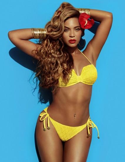 H Beyoncé περήφανη για τις καμπύλες της σε καμπάνια για μαγιό