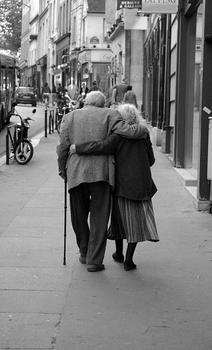 old_couple_in_love_walking