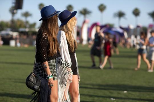 03-coachella-street-style-hats