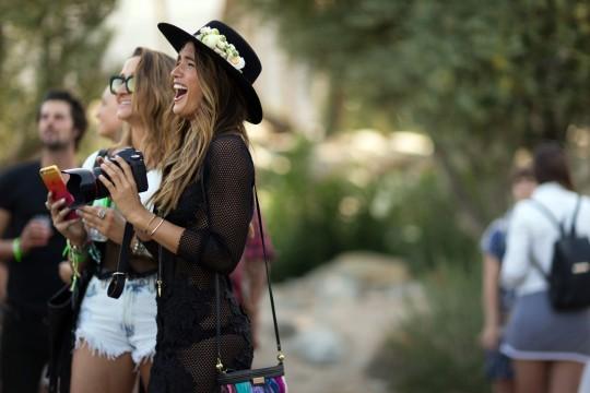 04-coachella-street-style-hats