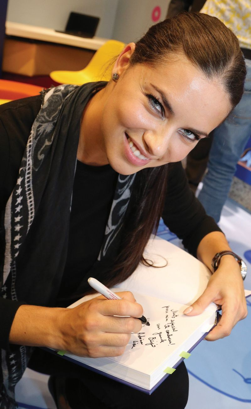 adriana-lima-iwc-the-little-prince-library-brazil_3