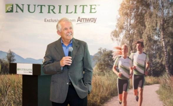 Sam Rehnborg  Πρόεδρος Ινστιτούτου Υγείας NUTRILITE