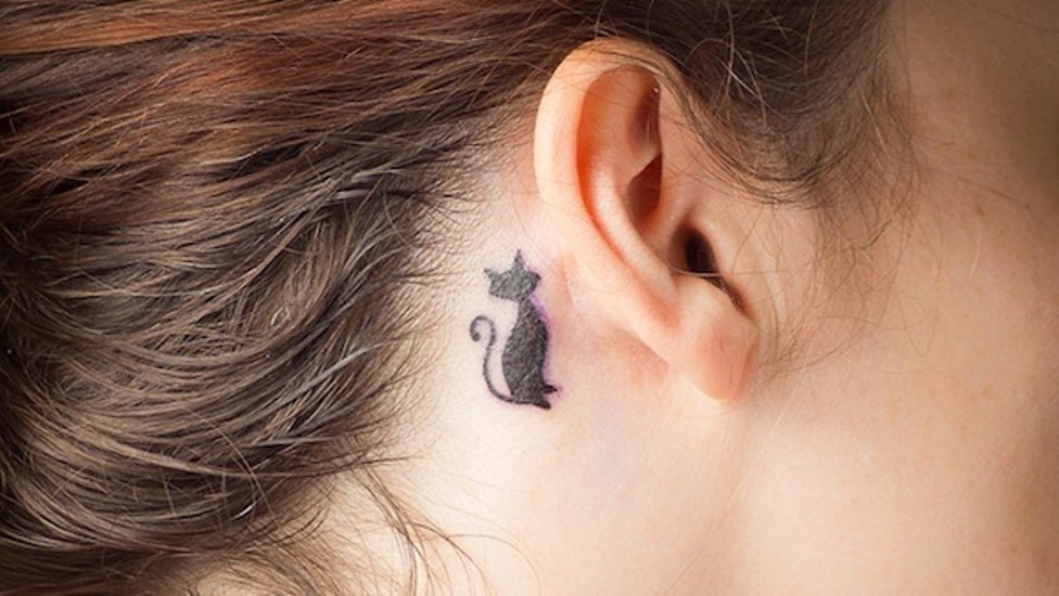 behind-ear-tattoo-cover