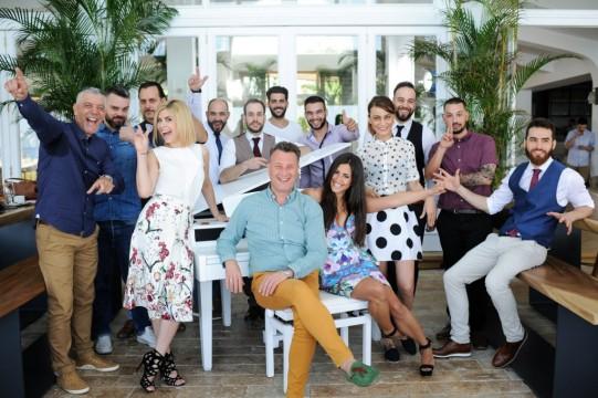 Οι 12 φιναλίστ του ελληνικού τελικού με τους Ambassadors των Reserve Brands, Γιώτη Αγγελίδη & Άντζελα Μαριδάκη