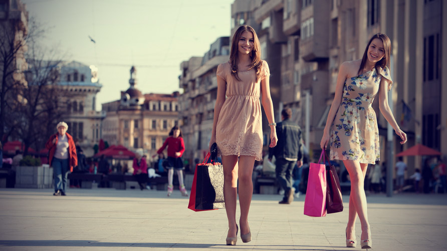 two-women-shopping