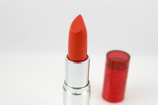 The Body Shop Colour Crush lipstick-#105 Coral Cutie