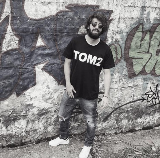 παρουσίαση ρούχων Tom2