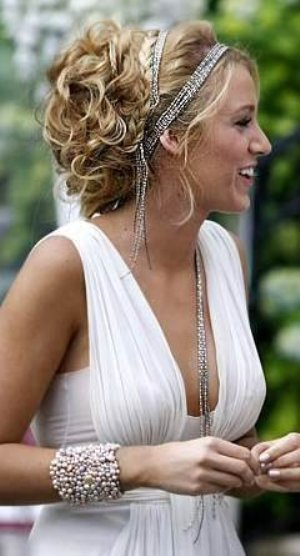 wedding-updos-for-curly-hair