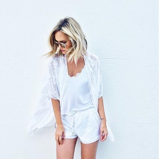λευκό t-shirt-συνδυασμοί