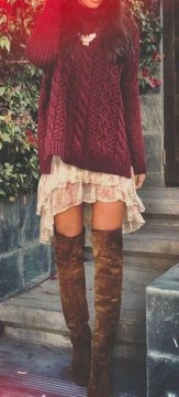 71c3c51d675 Η αλήθεια είναι ότι ταιριάζουν περισσότερο στις ψηλές και αδύνατες κοπέλες  όπου μπορούν να αναδείξουν τα πόδια τους φορώντας τες με τζιν, φούστες, ...