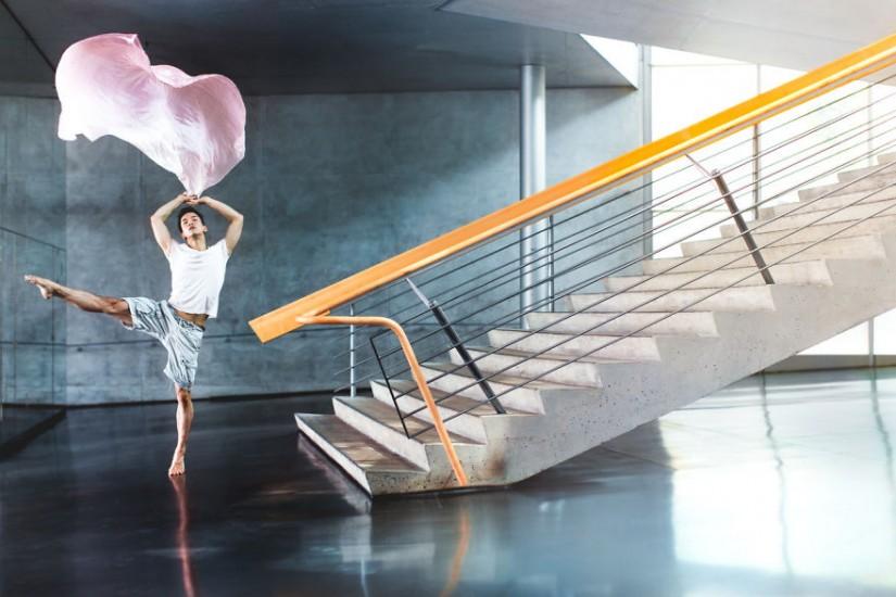 Δίπλα στις σκάλες
