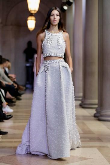 Ιδέες για εναλλακτικά νυφικά από την Εβδομάδα Μόδας της Νέας Υόρκης ... fe289ad3945