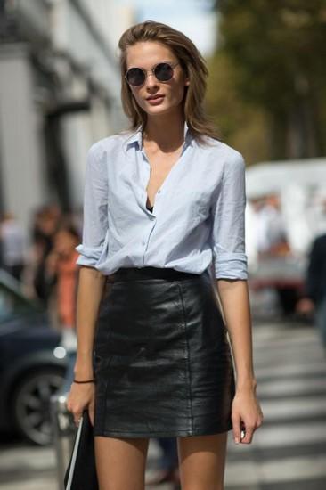 look με δερμάτινη φούστα