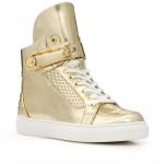 look με sneakers