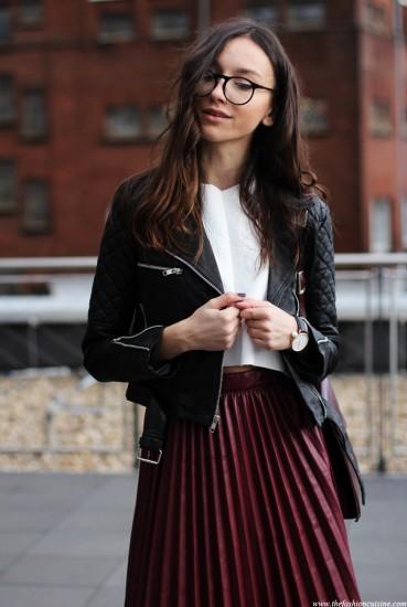 biker jacket + midi φούστα