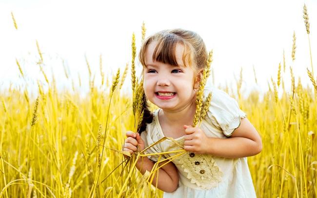 cute_little_girl_happy