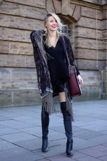 Σε συνδυασμό με πουκάμισο ή ζιβάγκο και flat shoes διαμορφώνει σίγουρα ένα σοφιστικέ look