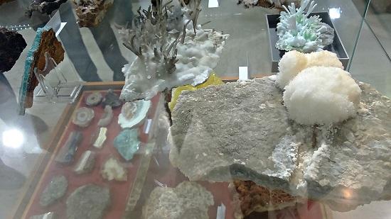 Μουσείο για παιδιά_μικροί γεωλόγοι_ορυκτολογία-πετρολογία-glamour (3)