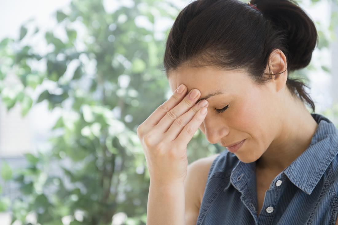 woman-headache-migraine