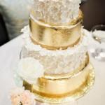 02-Gold-Metallic-Cake