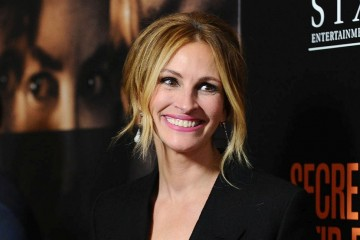 """WESTWOOD, CA - NOVEMBER 11:  Actress Julia Roberts attends the premiere of """"Secret in Their Eyes"""" at Hammer Museum on November 11, 2015 in Westwood, California.  (Photo by Jason LaVeris/FilmMagic)"""