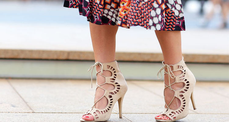 lace up σανδάλια