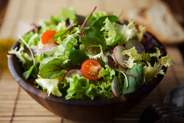Fresh salad with lettuce and cherry tomato
