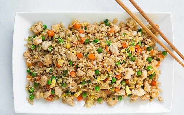 thumbnail_Τηγανιτό ρύζι με κοτόπουλο