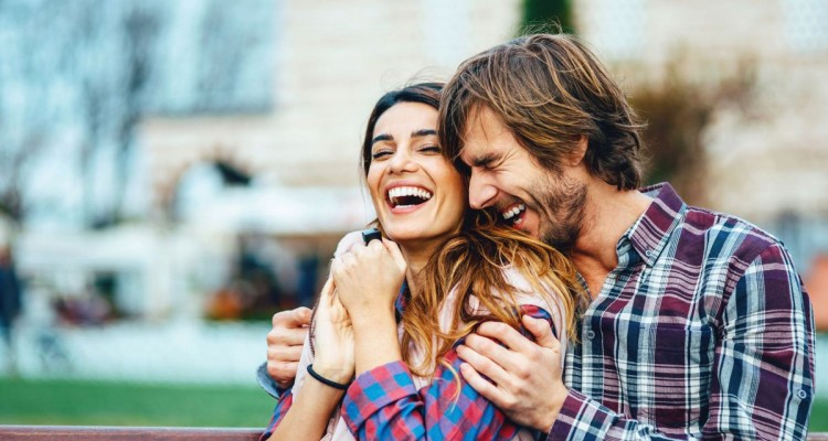 02-20-things-happy-couples-do-laugh