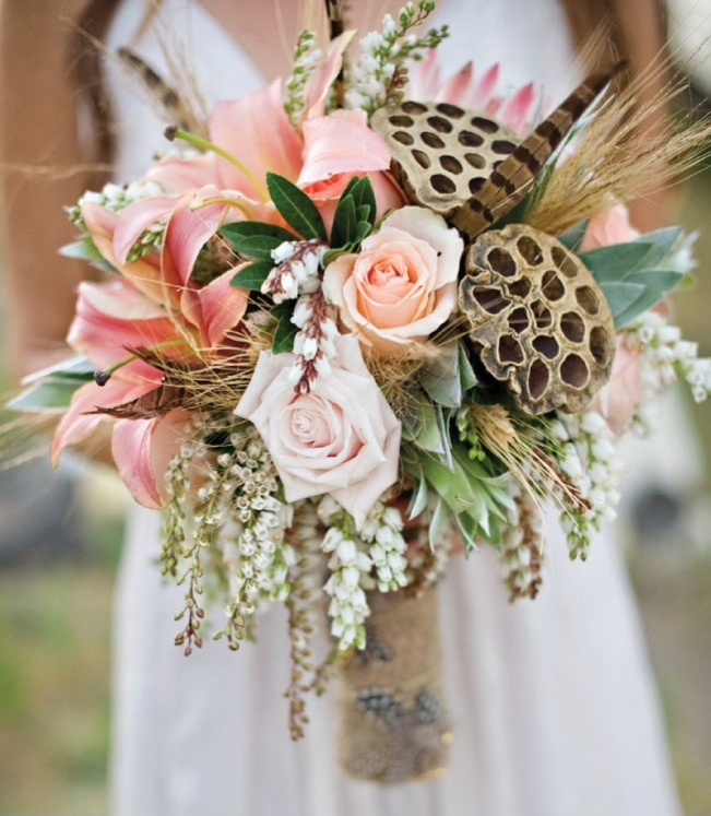 feather-wedding-bouquets-1